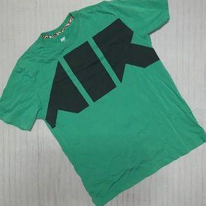 Nike Sportswear Men's Green AIR Logo Standard Fit
